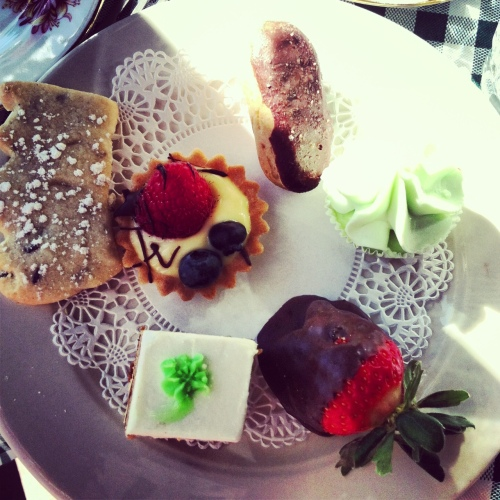tea petit fours