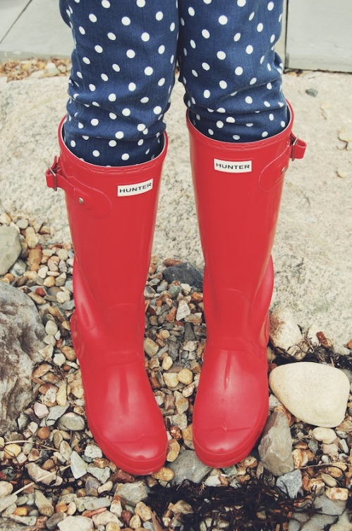 pill box red hunter wellies