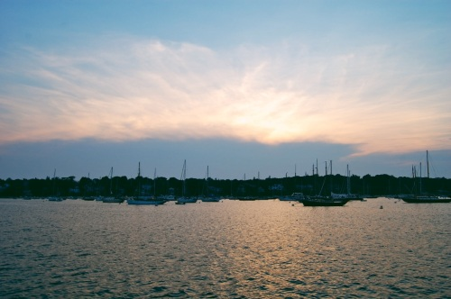 where to watch the sunset on martha's vineyard