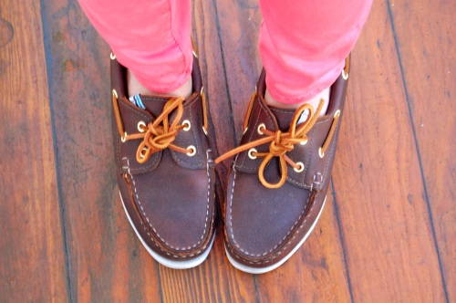 brown leather womens boat shoes