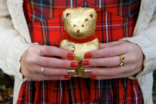 LINDT BEAR // Holiday Party Nails