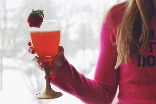 Strawberry Champagne Cocktail Recipe